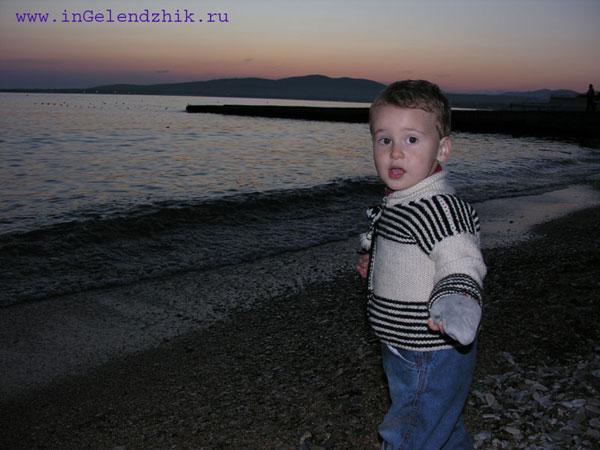 Геленджик 2008 апрель, вечернее море