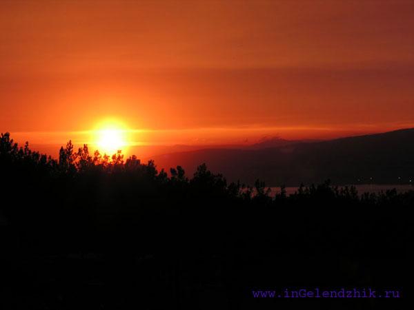 Геленджик 2008 апрель, закат