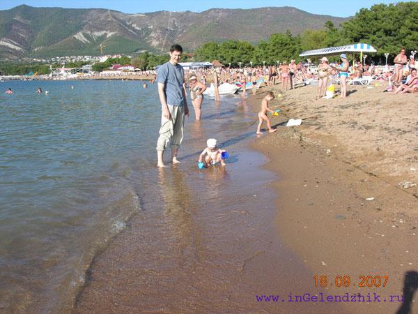 Геленджик 2007 сентябрь, песчанный пляж